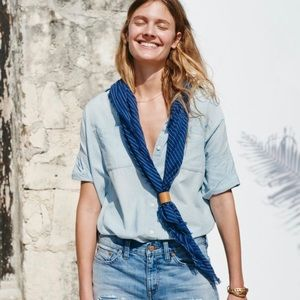 Madewell courier top in denim size XS